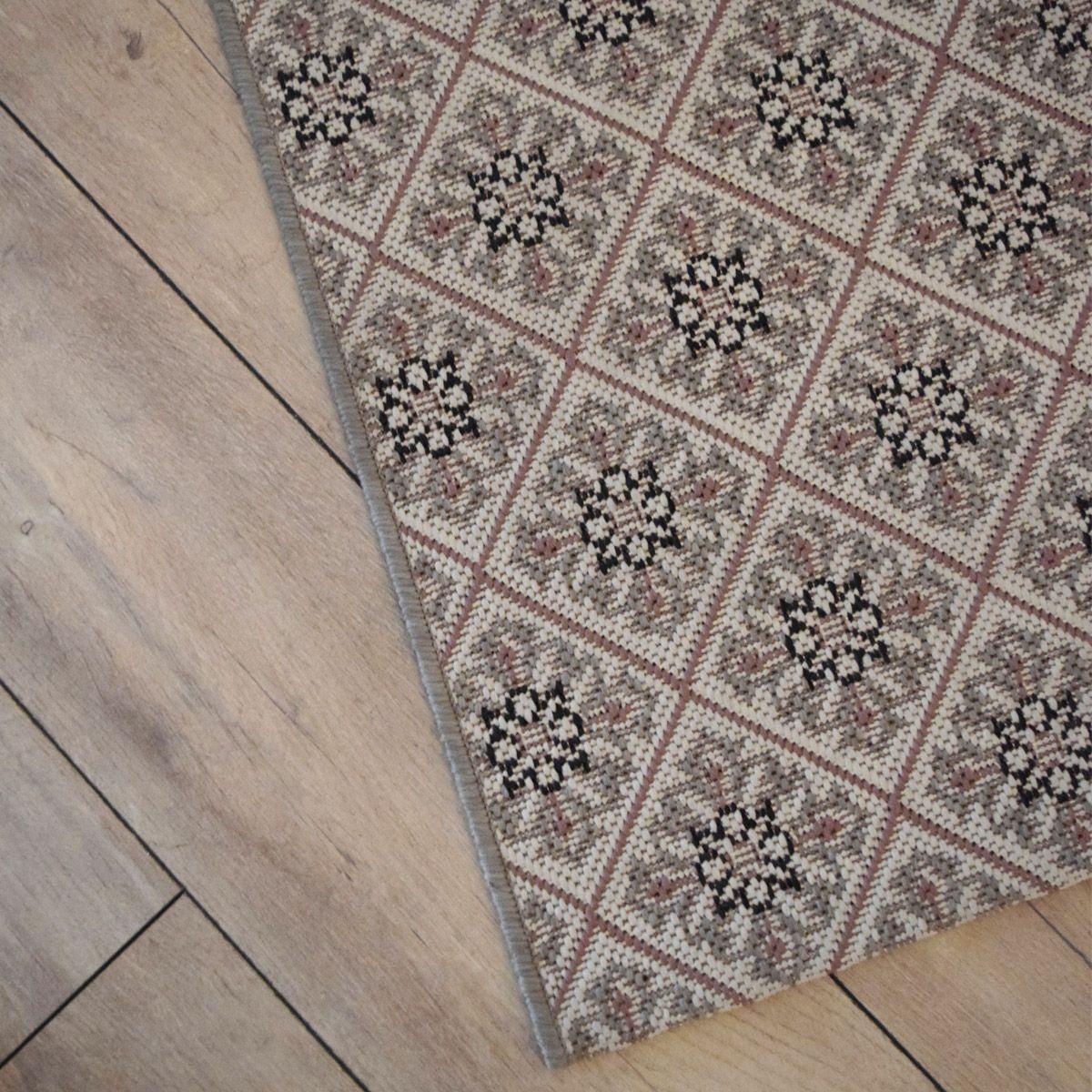Tapis carreaux ciment rose et beige Ethnic